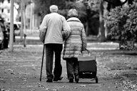 Aktiivinen ja turvallinen vanhuus lainaperheessä