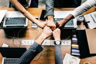 Moniammatillinen yhteistyö ja verkostotyöskentely mahdollistuu keskinäisen luottamuksen ja esimiestyön tuen avulla