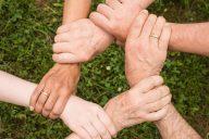 Ryhmäohjauksella vertaistukea terveydenhuoltoon?