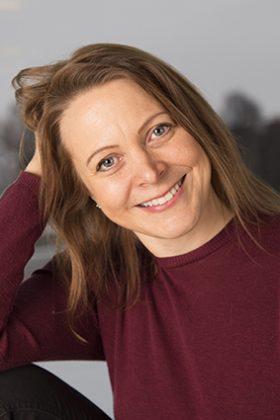 Kuvassa Katri Halonen