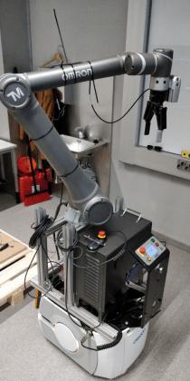 Kuva valmiista mobiilikobotin prototyypistä.