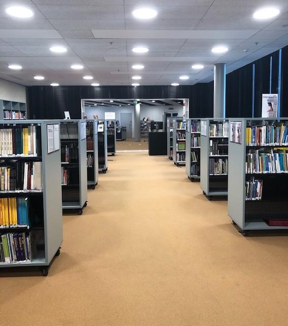 Myllypuron kampuksen kirjaston kirjastosilta