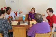 Osallisuutta asumispalveluihin – Yhteistä tekemistä, tuttuja ohjaajia ja mahdollisuutta vaikuttaa ruokaan
