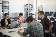 Teknisen myynnin opintokokonaisuus houkutteli insinööriopiskelijoita