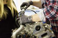 Ajoneuvotekniikan koulutus ei lepää laakereilla